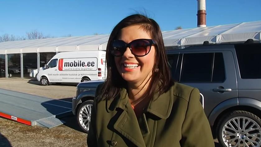 ROOLI VÕIM! Autokiigel otsib tasakaalu päikeseprillidega Merlyn Uusküla