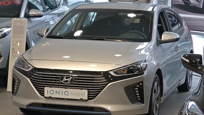 ROOLI VÕIM! Hyundai tahab Ioniq hübriidmudeli muuta tavaautoks